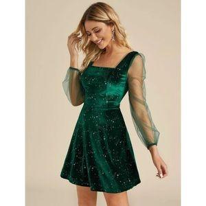 NWT Zaful Green Velvet Star Puff Sleeve Dress